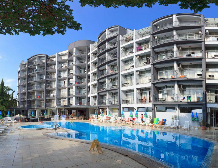ExteriorHotel Luna Pool 5