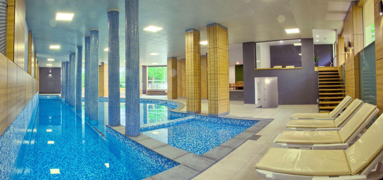 Indoor PoolPanorama 10